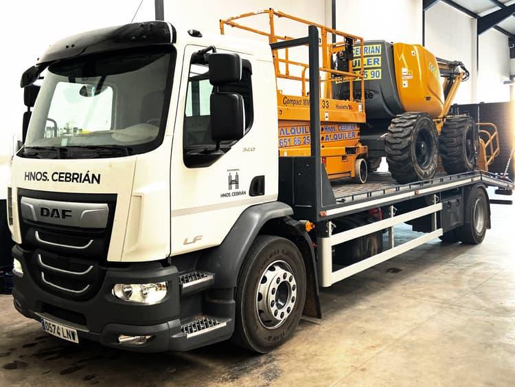 Transporte de maquinaria - Plataformas Cebrián - Cuenca - imagen página